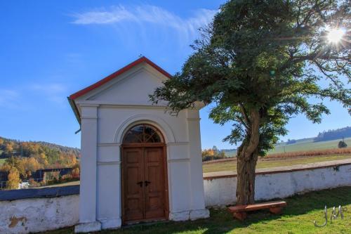 hřbitov - kaple 2012